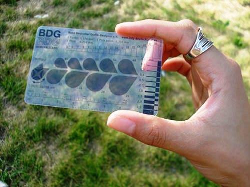 Contoh Desain Kartu Nama yang Unik - BDG-transparant-business-card