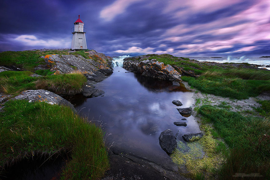 Mercusuar Terindah di Dunia - Gambar Foto Lampu Mercusuar Molnes Lighthouse, Norwegia