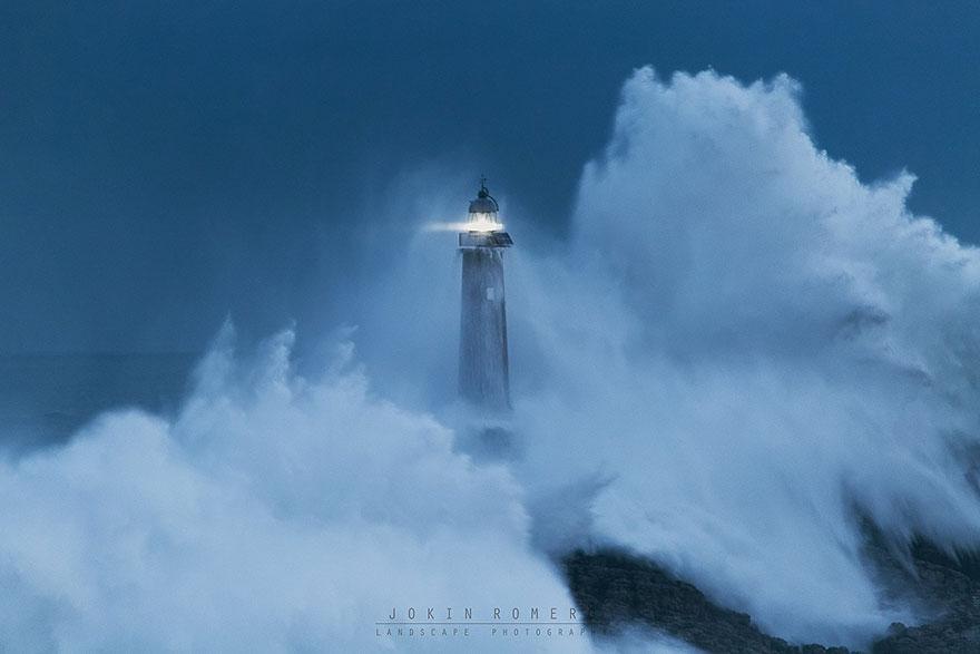Mercusuar Terindah di Dunia - Gambar Foto Lampu Mercusuar Mouro Island Lighthouse (Built In 1860), Spanyol
