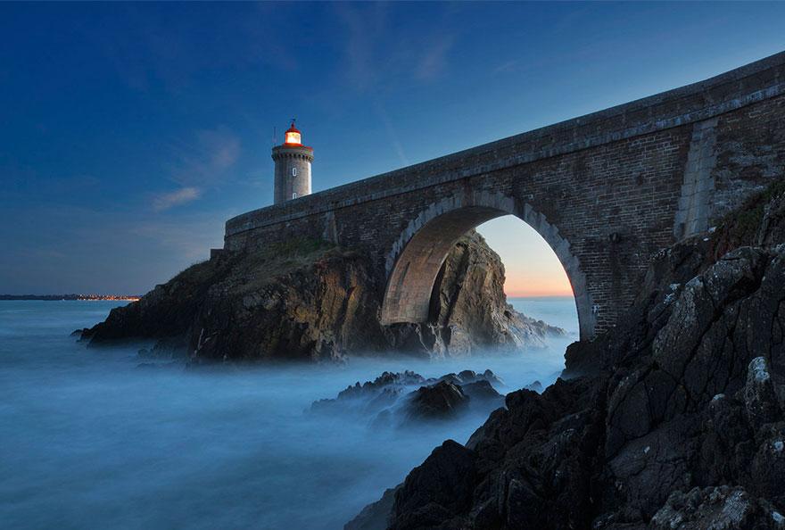 Mercusuar Terindah di Dunia - Gambar Foto Lampu Mercusuar dari Phare du Petit Minou, Brest, Perancis