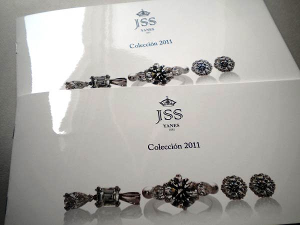 17 Desain Katalog Perhiasan Brosur Permata - Desain katalog brosur perhiasan - Jesus Yanes 1