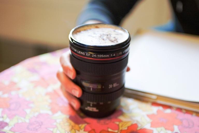 30 Desain Mug Unik dan Nyleneh - Photojojo Canon Lens Cup
