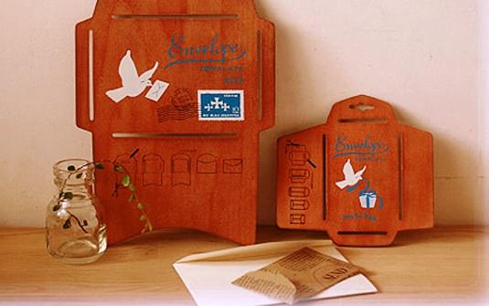 24 Contoh Desain Amplop Kreatif - Contoh-Desain-Amplop-Wood-envelope