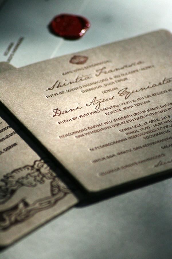 Konsep-Undangan-Pernikahan-Indonesia-Letterpress-Wedding-Invitation
