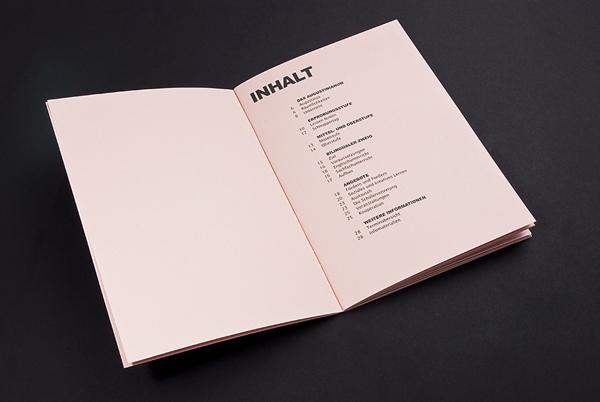 katalog dan buklet dengan desain inspiratif