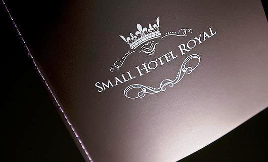 Contoh Ide dan Desain Brosur Hotel - Hotel Brochure Design_04