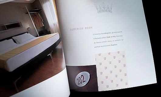 Contoh Ide dan Desain Brosur Hotel - Hotel Brochure Design_06