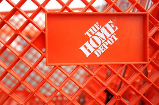 Penggunaan Warna yang Sukses dalam Branding - 02-homedepot