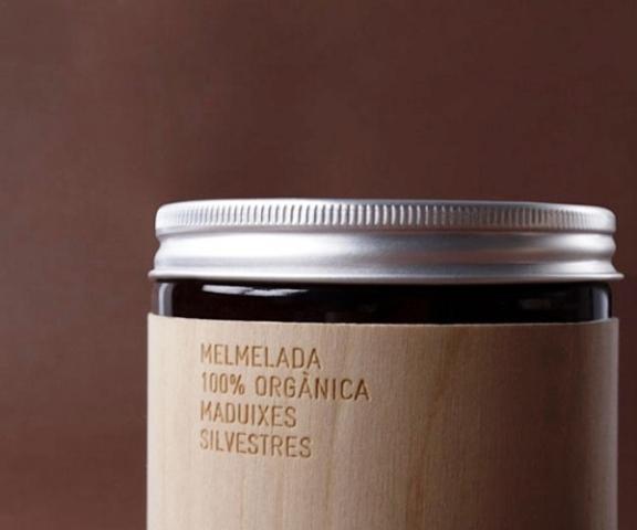 contoh desain label minimalis