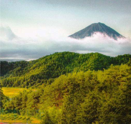 Kalender Desain Eksekutif Tahun 2017 Bergambar Alam Jepang