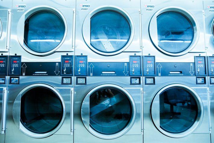 7 Tips Mencuci Bersih dengan Mesin Cuci Tanpa Merusak Baju Anda